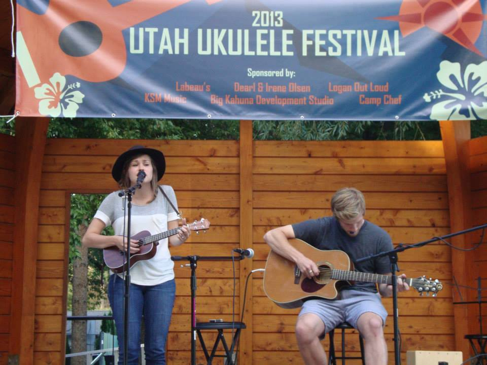 Selja and B performing at the 2013 Ukulele Festival